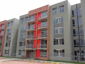 CONSTRUCTORA BOLIVAR PARQUES DE LA ESTACION